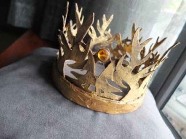25 brilliant game of thrones diy projects all men must craft 29 brilliant game of thrones diy projects all men must craft homesthetics decor 21 solutioingenieria Gallery