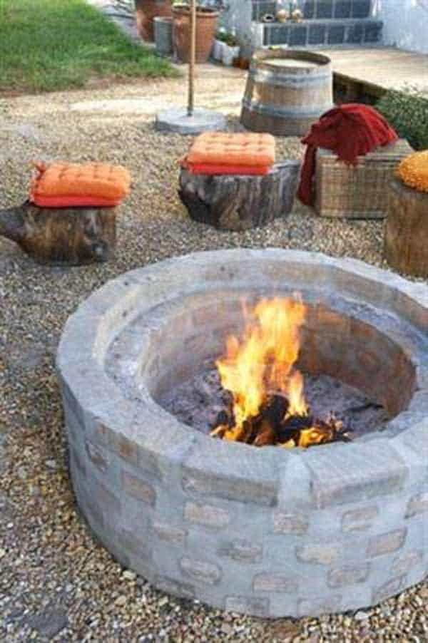 SIMPLE CONCRETE AND BRICK FIRE PIT