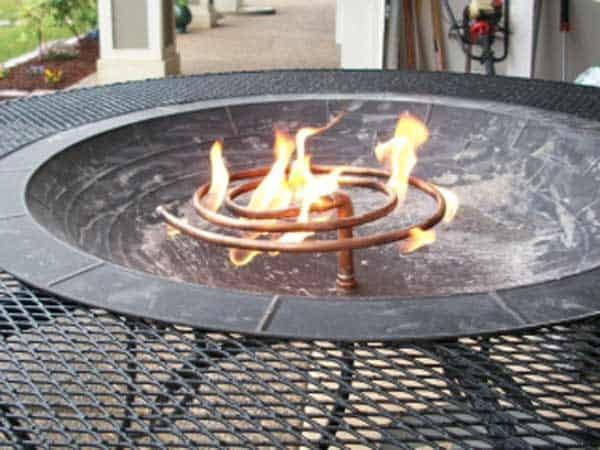 IMPRESSIVE MODERN STEEL TABLE ADAPTATION FIRE PIT