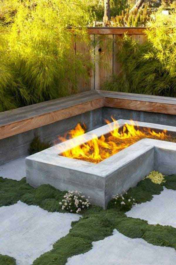 L-SHAPED SITTING AREA  WITH A NEAT FIRE PIT