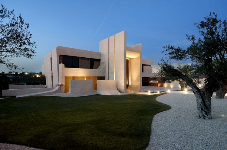 A-cero-Designs-Sculptural-Concrete-Home-in-Madrid-homesthetics-13