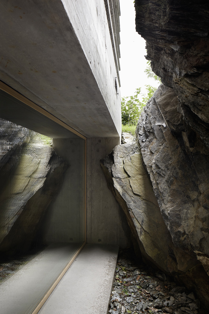 Intimate-Concrete-Cabin-Refugi-Lieptgas-by-Nickisch-Sano-Walder-Architekten-2