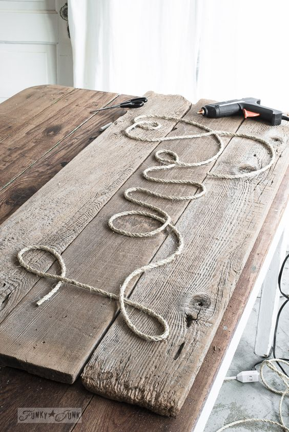 RECLAIMED WOOD - ROPE LOVE WALL ART