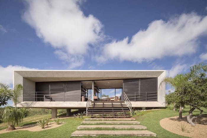 Rectangular-Concrete-Home-With-Expansive-Views-by-Studio-3.4-Arquitectura-homesthetics-2