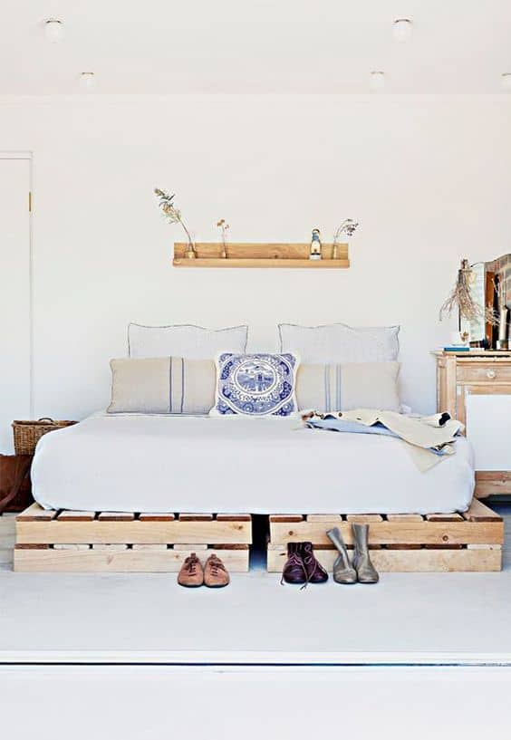 14. SIMPLE AND CLEAN BEDROOM DESIGN