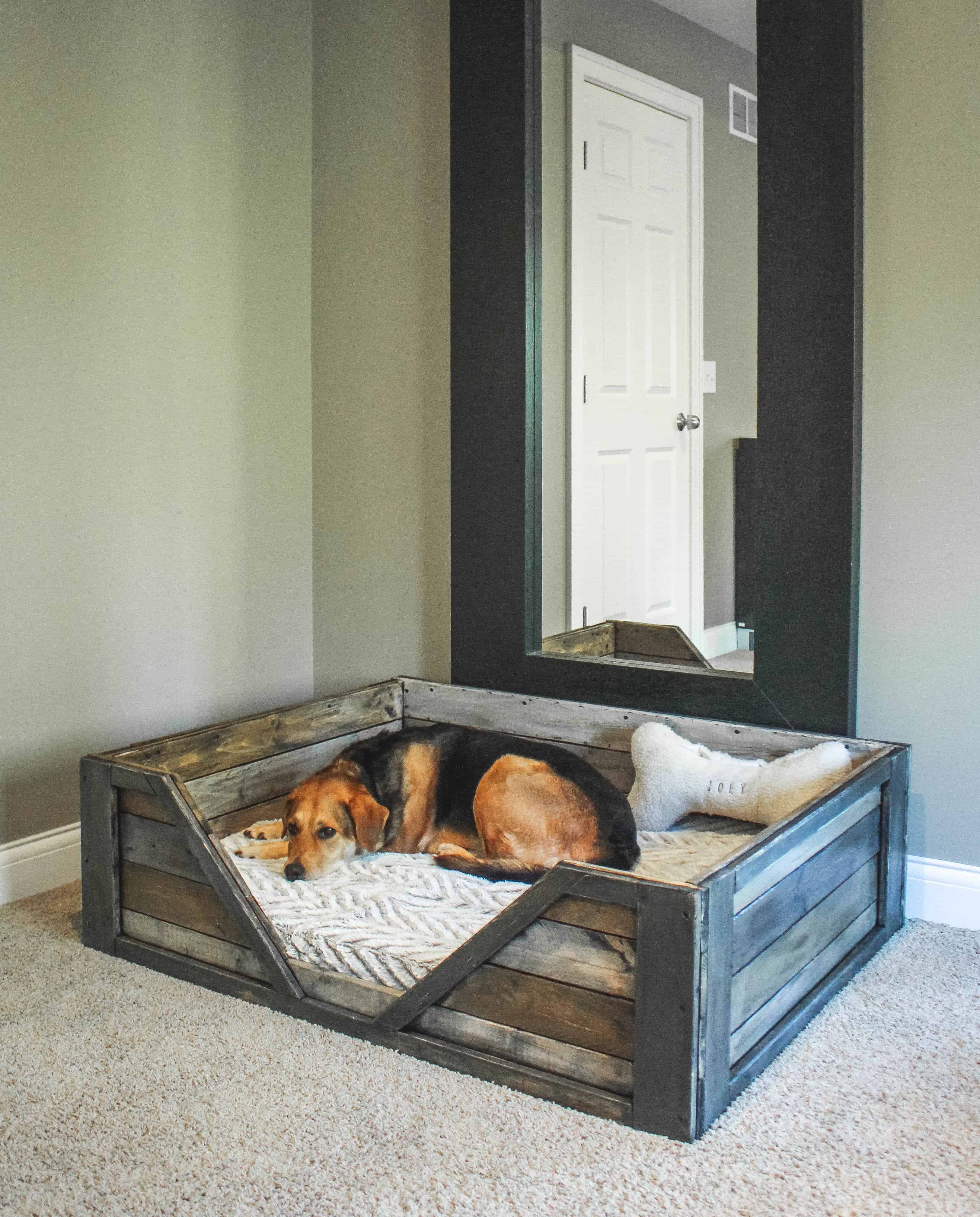 Great Recycled pallet bed frames for your home hometshetics