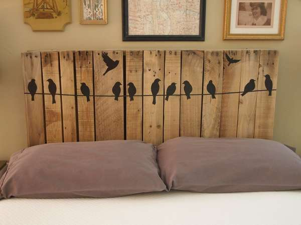 38. FUN DECORATION OF A PALLET BED HEADBOARD
