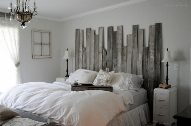 A SHABBY CHIC BED FRAME DESIGN
