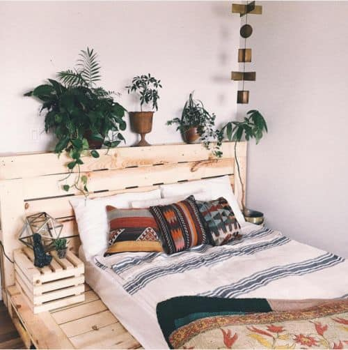 PALLET BED FRAME KEPT IN NATURAL HUES