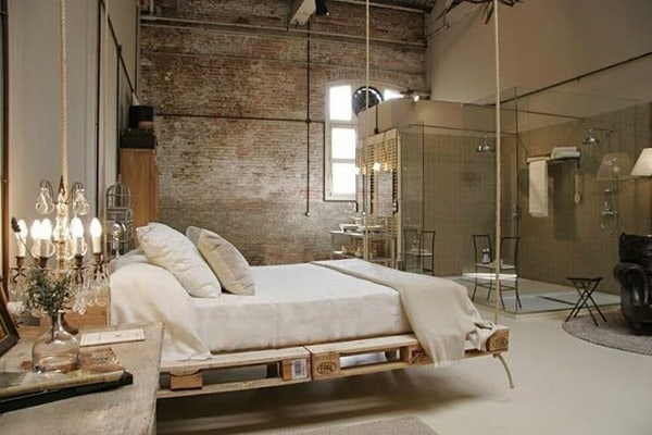 SUSPENDED PALLET BED FRAME IN A GLAMOROUS INDUSTRIAL CHIC DECOR