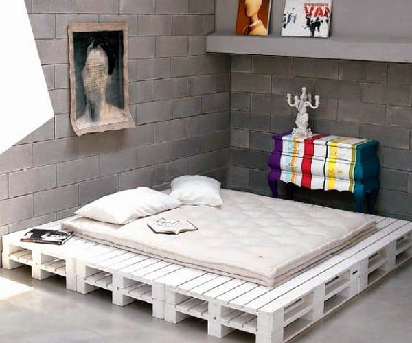 Custom Pallet Bed Frame Decor