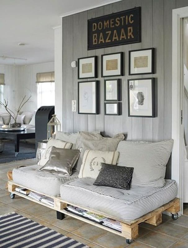 62. SIMPLE PALLETDAY BED FRAME FOR TWO