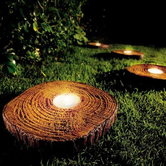 10 Beautiful Ways To Add Light on Your Garden Paths (7)