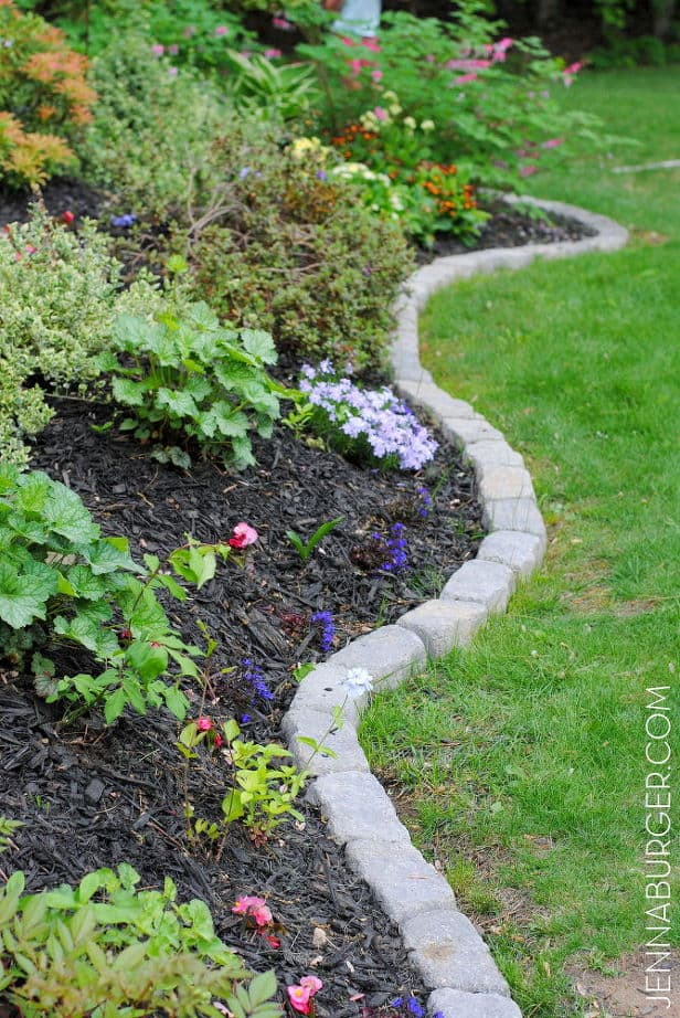 17 Simple And Cheap Garden Edging Ideas For Your 11