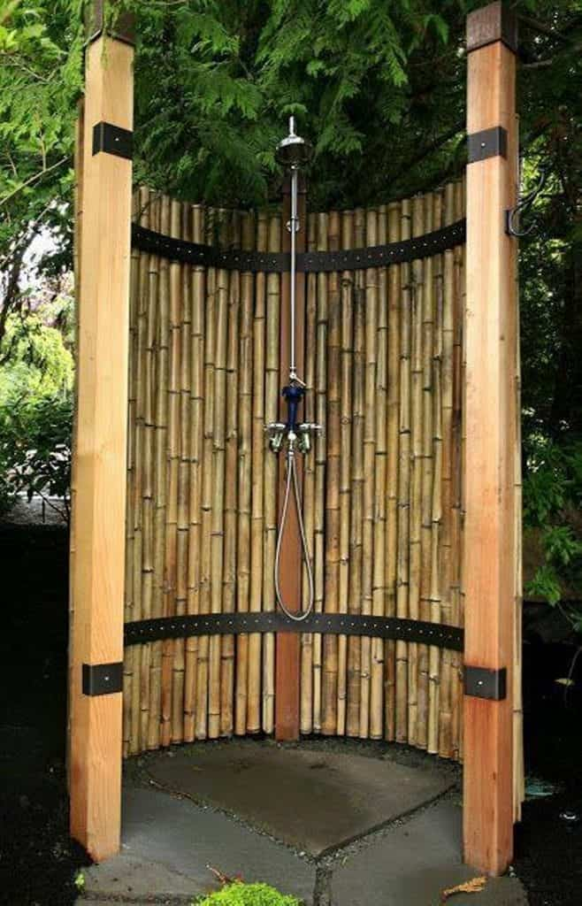 Modern-bamboo-Outdoor-Shower-Ideas-658x1024