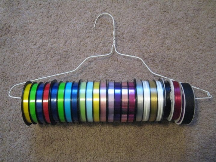 ribbon-tape-hanger-718x539