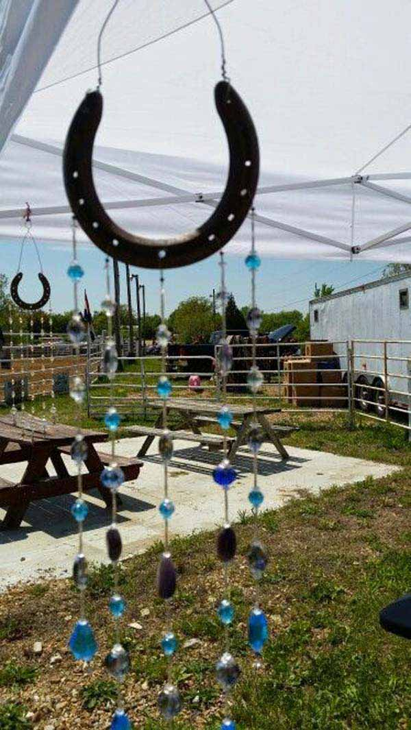 31 Epic Horseshoe Crafts to Consider In a Vibrant Rustic Decor (24)