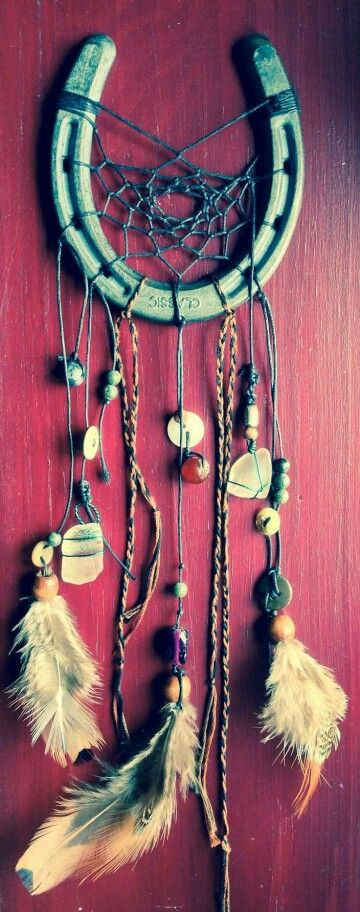 31 Epic Horseshoe Crafts to Consider In a Vibrant Rustic Decor (7)