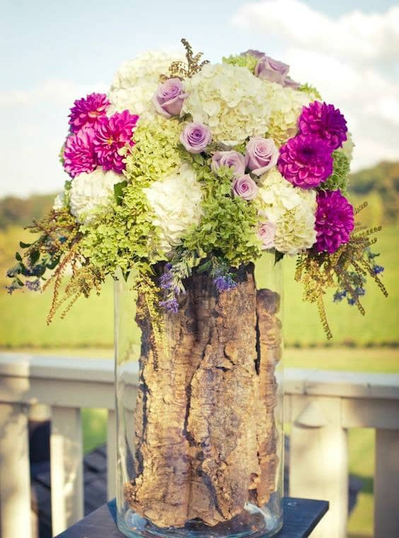 Add Glamour and Rustic Vibe With Tree Stump Vases-homesthetics (1)