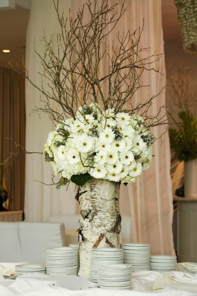Add Glamour and Rustic Vibe With Tree Stump Vases-homesthetics (8)