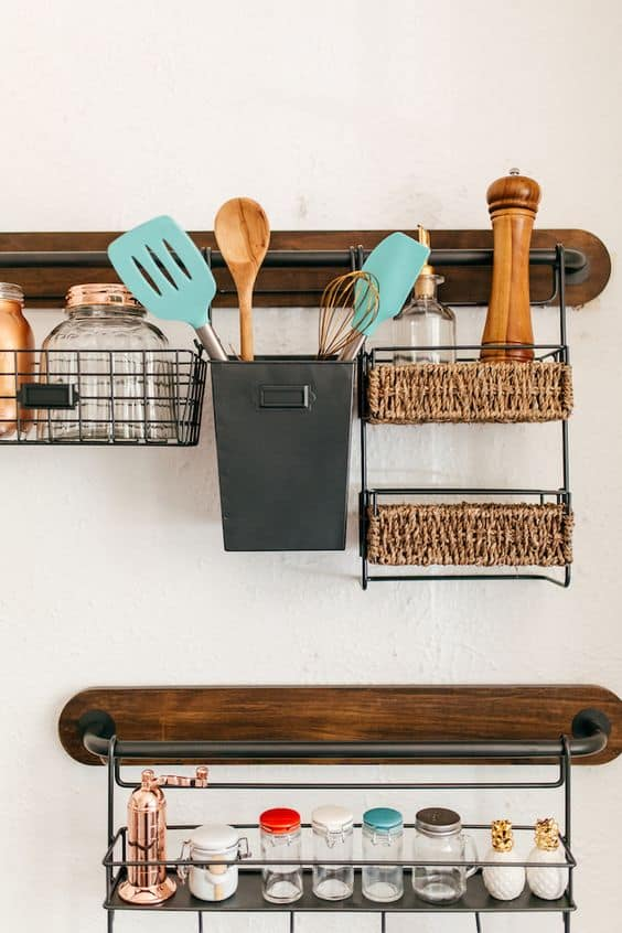 Emphasize Small Spaces With Kitchen Wall Storage Ideas-homesthetics (9)