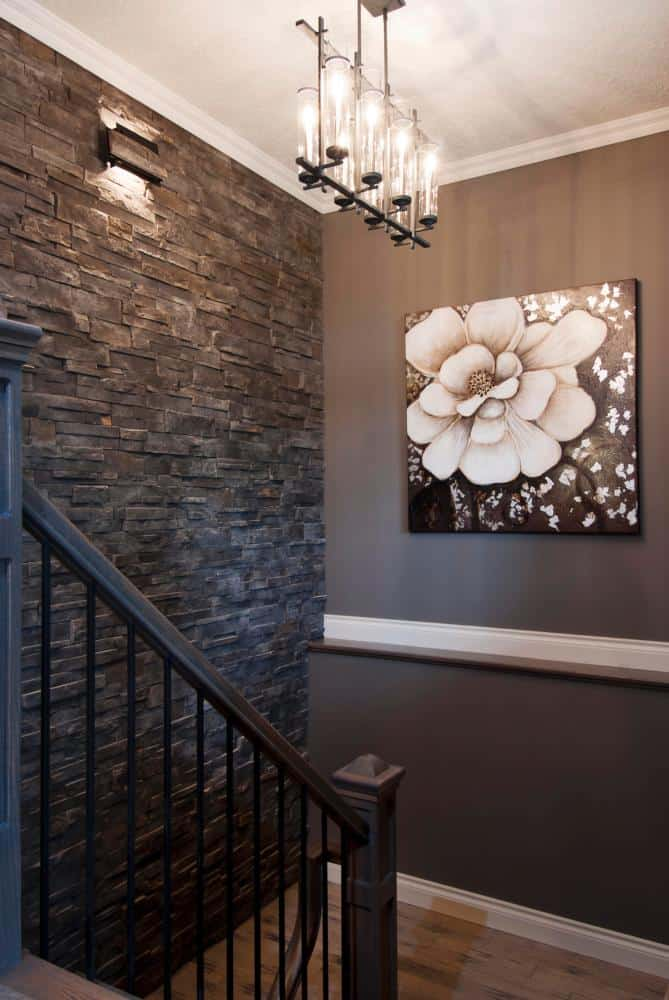 hallway-focal-point-stone-wall