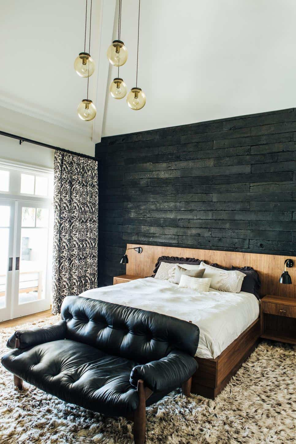 17 Extraordinary Graphic Ways to Use Wood Walls Indoors (1)