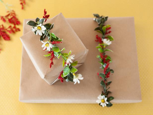 Learn How To Wrap A Gift Properly-homesthetics.net (3)