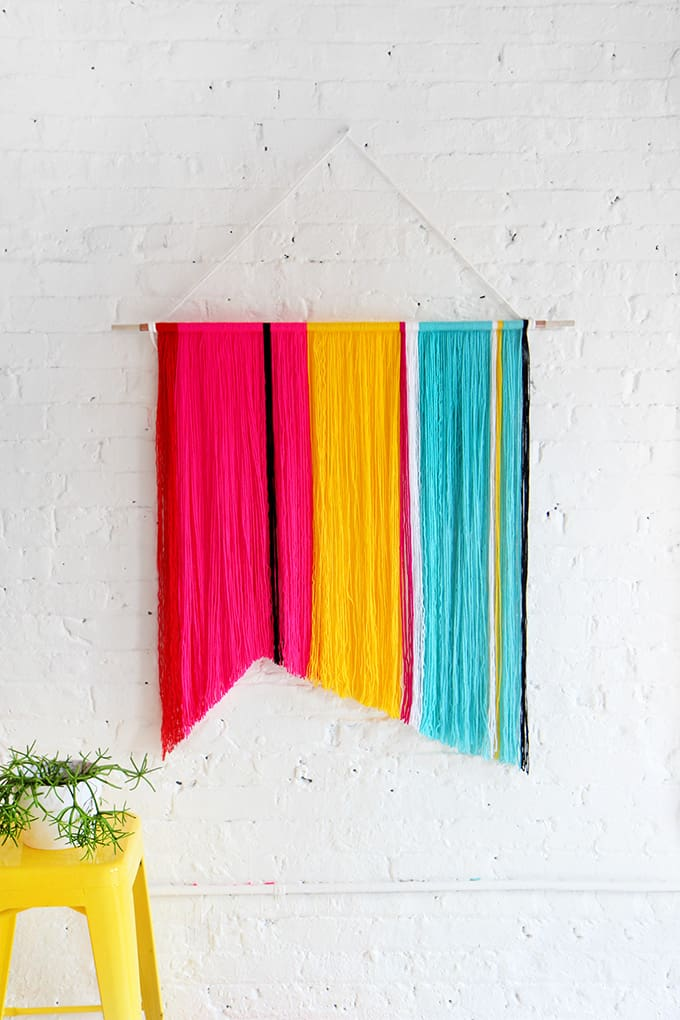 Splendid 15 diy yarn wall hangings to realize at home homesthetics spread color with a diy chevron wall hanging solutioingenieria Images