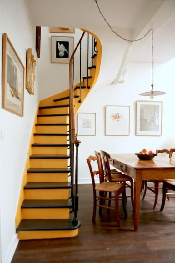 staircase-decorating-ideas-homesthetics-net-1