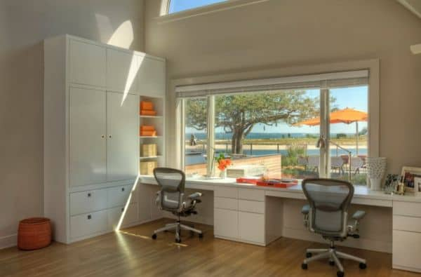 A-couple-of-Aeron-Chair-and-plenty-of-natural-light-brighten-the-home-work-space