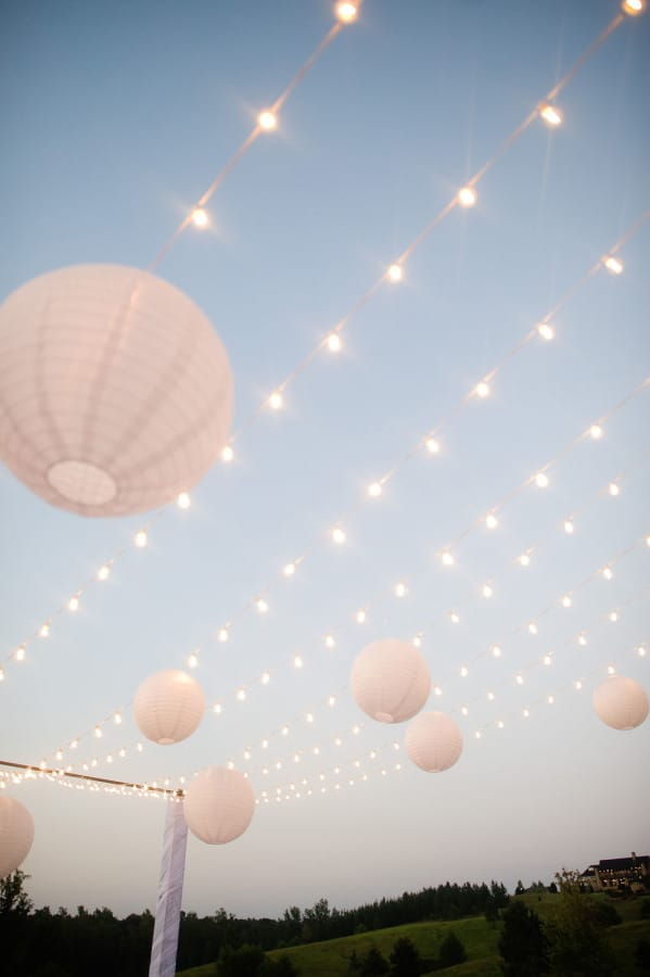Beautiful Decor For An All White Party-homesthetics.net (3)