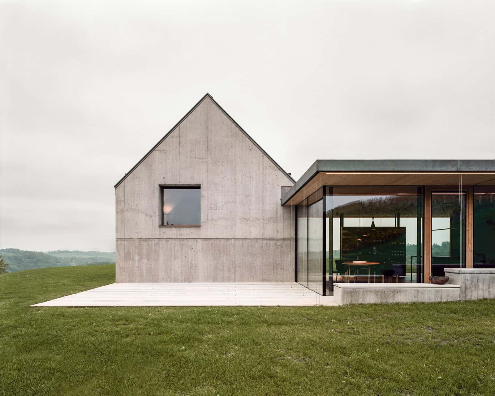 Modern Vineyard Home Materialized In The Heart of a Former Wine Press House (4)