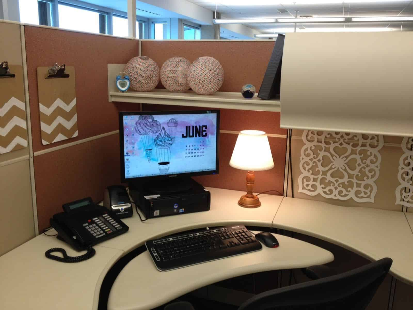 23 ingenious cubicle decor ideas to transform your for House of decorative accessories