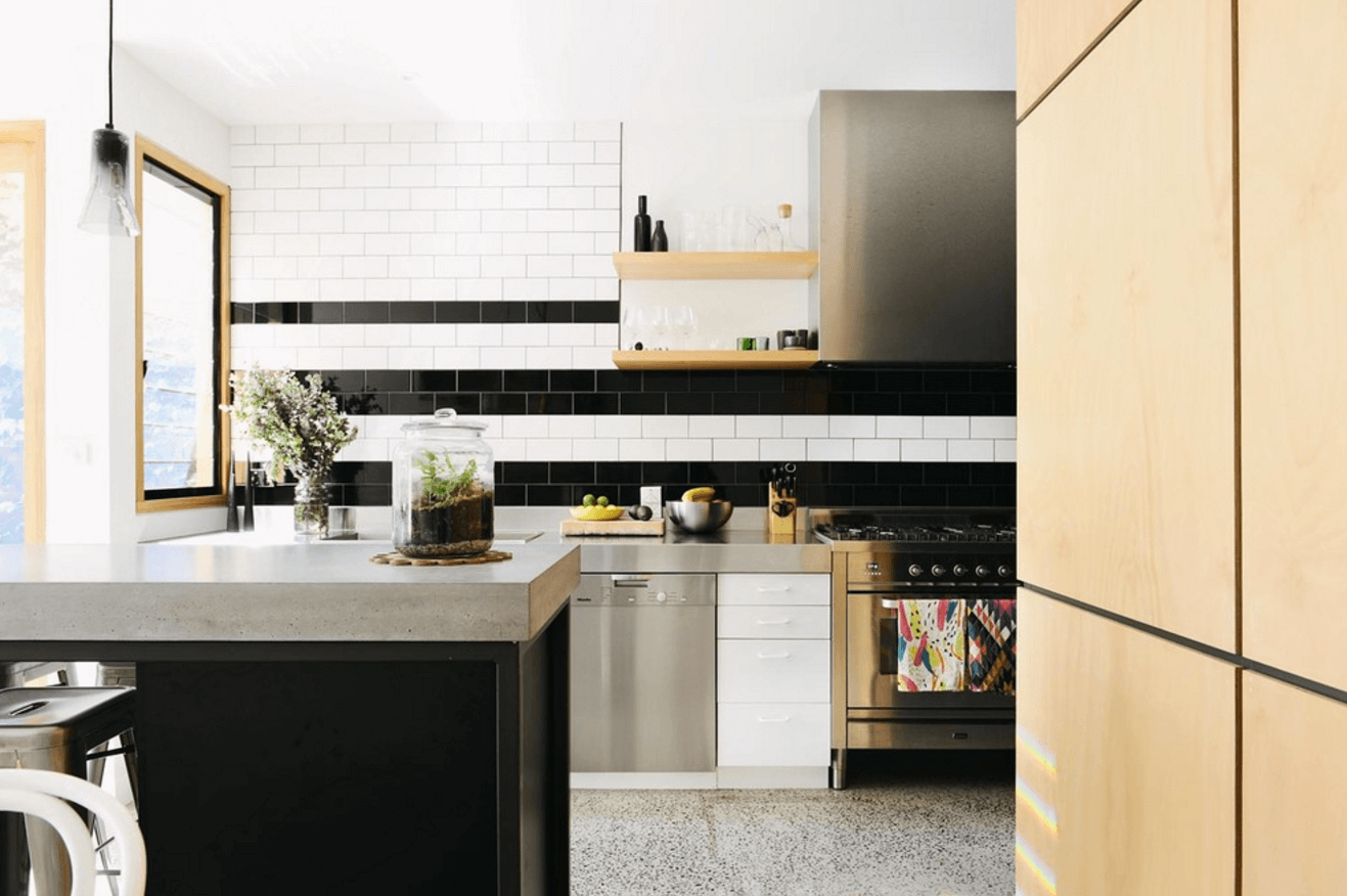 Step Out Of The Box With 31 Bold Black Kitchen Designs-homesthetics.net (1)