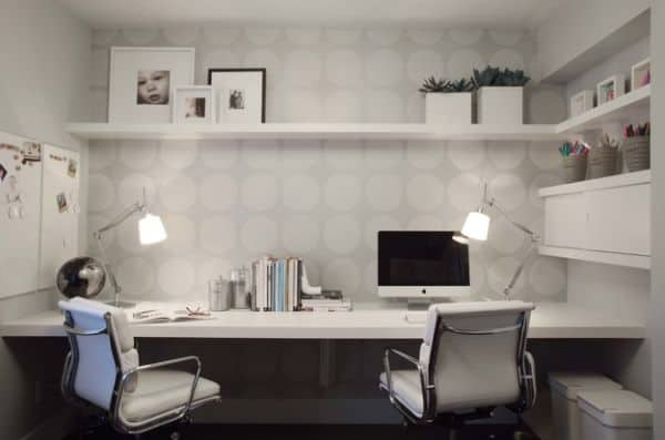 Wallpaper-adds-to-the-home-office-in-a-subtle-and-classy-manner