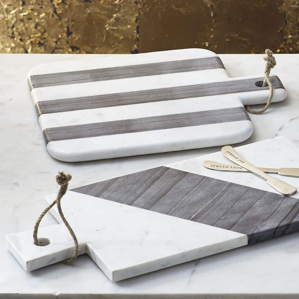 clean-marble-cutting-board
