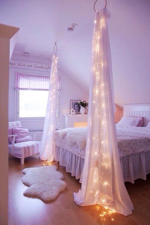 drapes and christmas lights for a mix of classic and modern effect - Christmas Lights Room