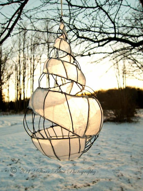 17. SCULPT AN ADORABLE LANTERN FOR THE OUTDOORS