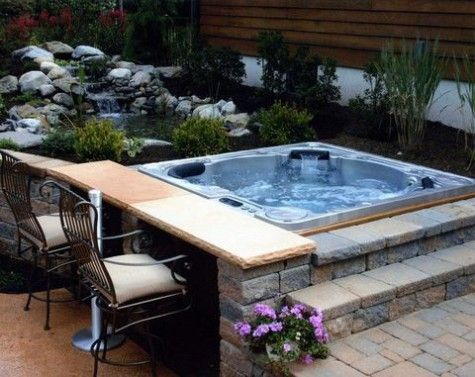 20 outdoor jacuzzi ideas for a relaxing weekend for Jacuzzi casero exterior