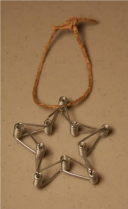 9. ENJOY A DIFFERENT PIECE OF JEWELRY