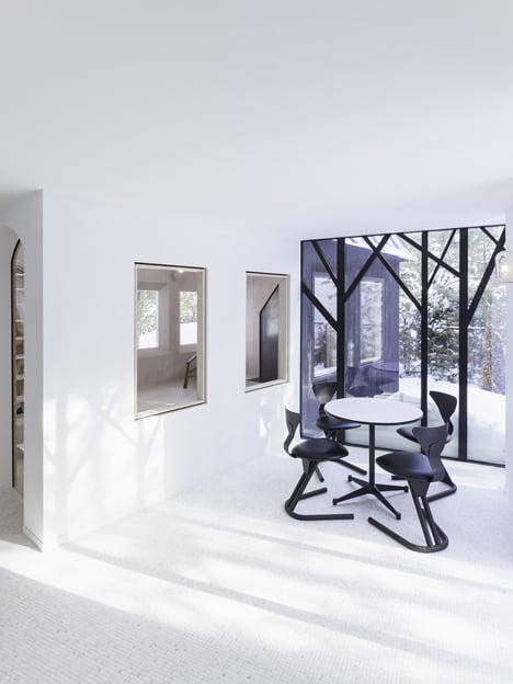 UUfie Designs Surreal Lake Cottage With Mirrored Entrance (10)