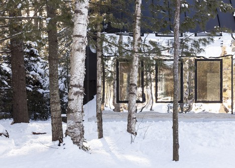 UUfie Designs Surreal Lake Cottage With Mirrored Entrance (2)