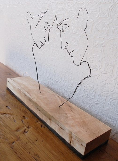9. SCULPT FINE ART WITH A PIECE OF WIRE