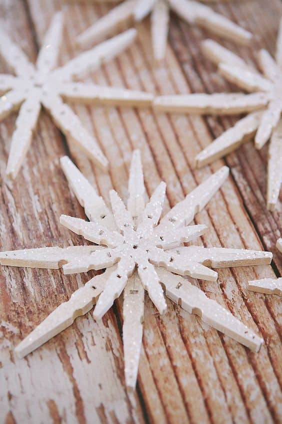 5. EMBRACE WINTER WITH A SNOWFLAKE