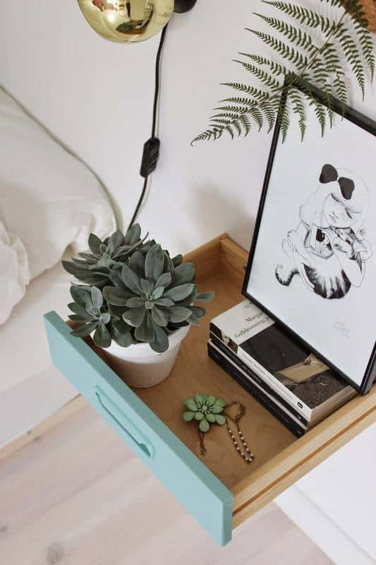 clever-nightstand-alternatives-for-small-spaces-white-bedroom-55f886a92115afae3cafa420-w620_h800