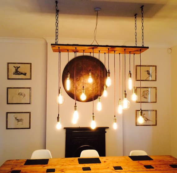 16. USE A BEAUTIFUL RUSTIC SETTING TO DEFINE A DINNING SPACE