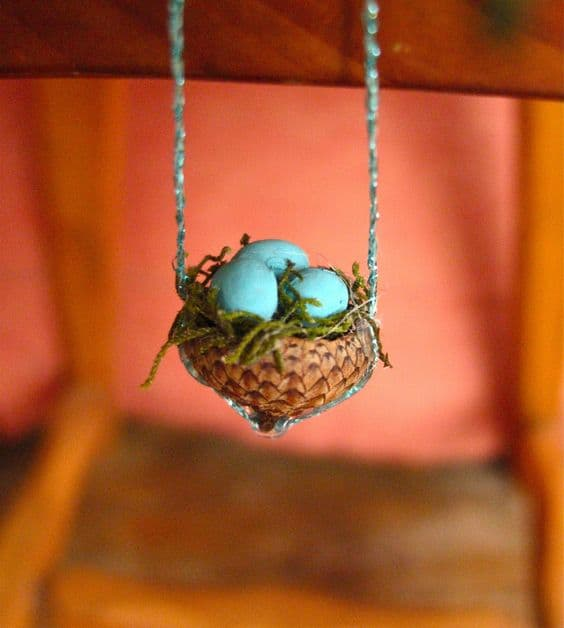 9. CREATE MINIATURE EASTER INSTALLATIONS