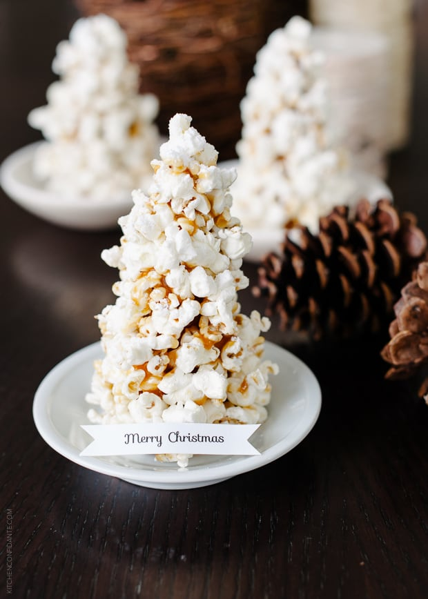 Popcorn Christmas Tree Place Cards DIY | www.kitchenconfidante.c