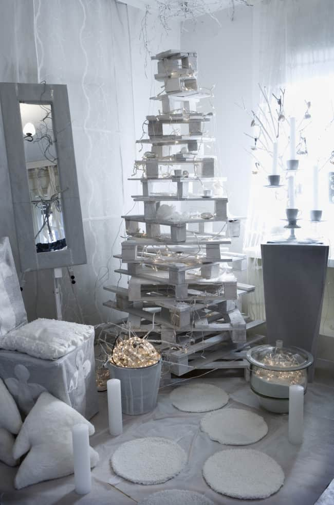 Think Outside The Box With Unusual Christmas Tree Designs homesthetics.net 21